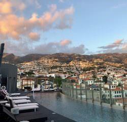 Vista do hotel The vine, na Madeira